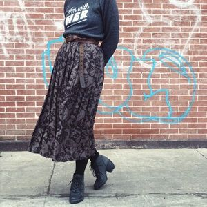 Vintage pleated tapestry skirt